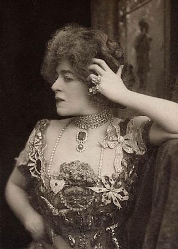 Photograph for Mrs. Leslie Carter
