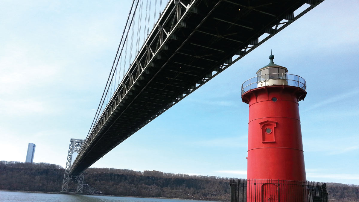 Photograph of the Little Red Lighthouse and the George Washington Bridge in Washington Heights