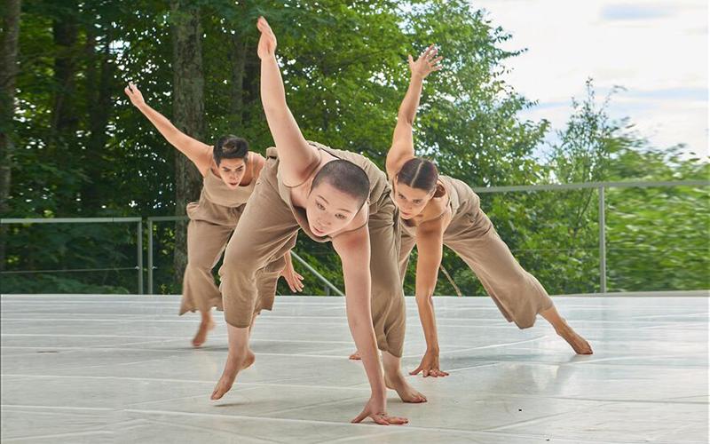 "The three women of Mozaik Dance in ""Sad Hope"""